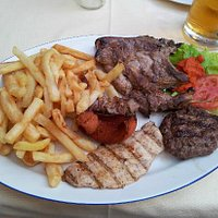Mixed meat with chips