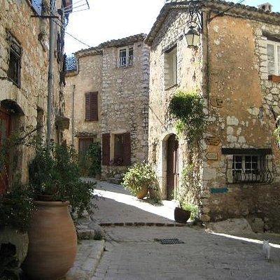 Cobbled streets of Tourrettes-sur-Loup
