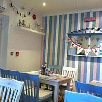 Cute bunting, more cute decorations wish I was there!!!