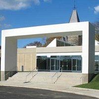 Hudson River Museum Entrance