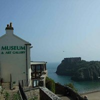 Tenby Museum and Art Gallery overlooking St Catherine's Island.