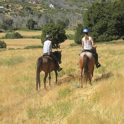 Kathleen and my step-daughter discuss horses during the ride...