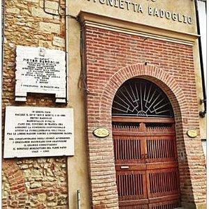 il portone di ingresso della Casa-Museo.