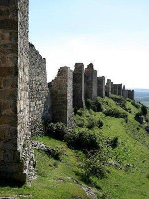 Muralla de la fortaleza califal de Gormaz