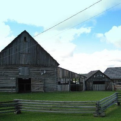 The Barn - 108 Mile Ranch Heritage Site