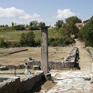 La strada di accesso al sito archeologico