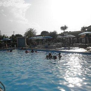 piscina ampia!