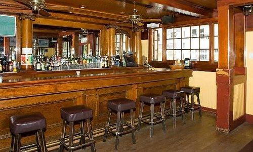 Smiley's Schooner Saloon bar