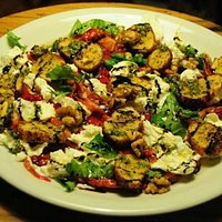 Mozzarella Plate with Roasted Pepper