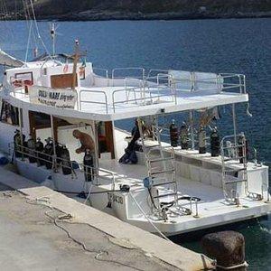 Barca diving attrezzata con 2 compressori a bordo