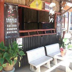 Charlie Bar, Haad Chao Phao