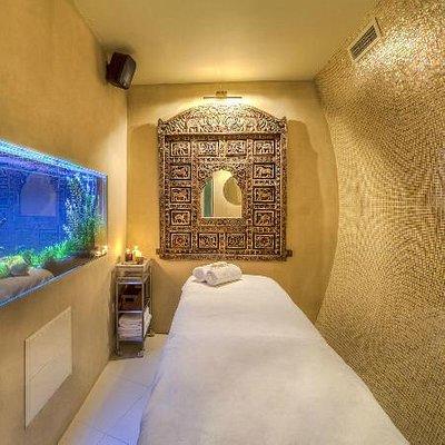 Treatment Room with Freshwater Aquarium at Petropavlovskaya Street