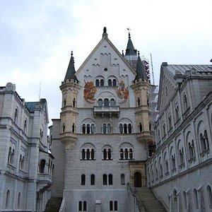 Patio del castillo de Neuschwanstein (Tour Castillo de NSS)
