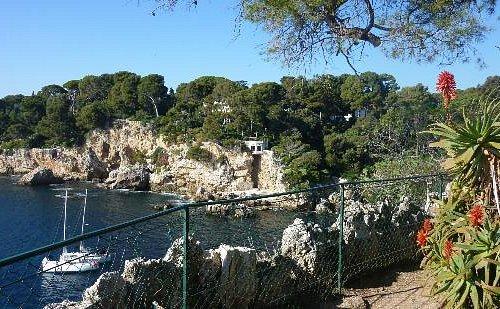 """Sentier littoral du Cap d'Antibes """"sentier des douaniers"""""""