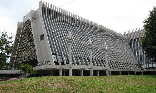 Metal-concret modern stilt house design, Buon Ma Thuot Ethnographic Museum