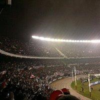 La hinchada del mas grande en el estadio del mas grande ..