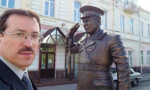 памятник инспектору ГАИ Николаю Пантелеевичу Путинцеву