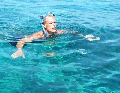 A crystal clear Caribbean blue day