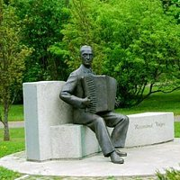 Monumento a Raimond Valgre