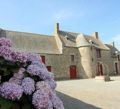Jacques Cartier home
