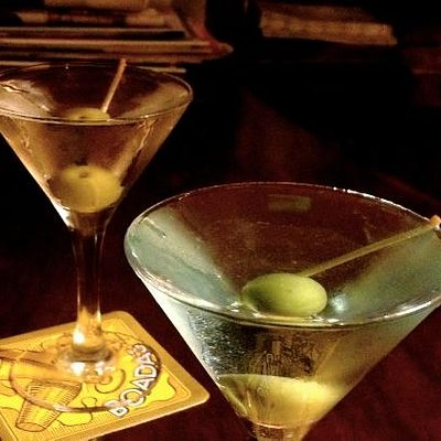 Two Dry Martinis (London / Bombay Saphire Gin)