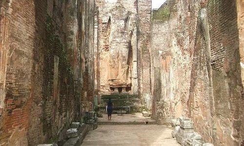 The brick Buddha Statue within