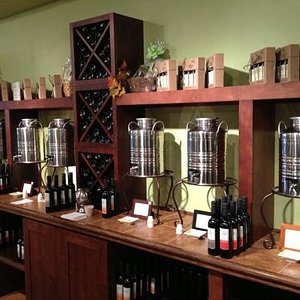 Excellent oils and balsamic vinegars to excite those taste buds!