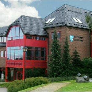 Nøtterøy Kulturhus midt på Borgheim.