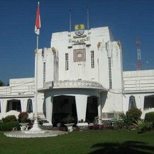 Balai Kota Cirebon tampak depan