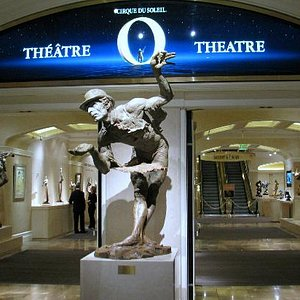 Richard MacDonald Gallery located at the O Theater in the Bellagio