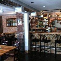 Glacier Haus Pizza & Pizza - view of bar