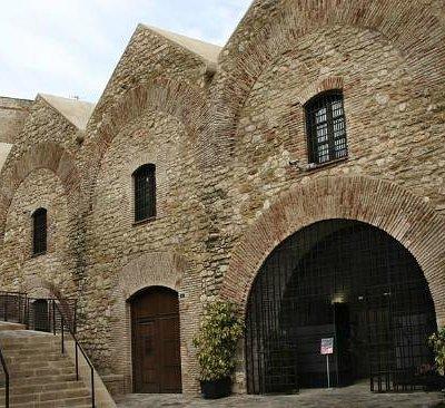 Fachada de los Almacenes de las Peñuelas. Museo Arqueológico, Histórico y Etnográfico de Melilla