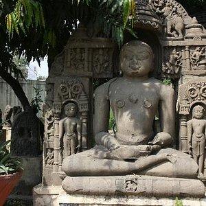 Buddhafigur im Außenbereich