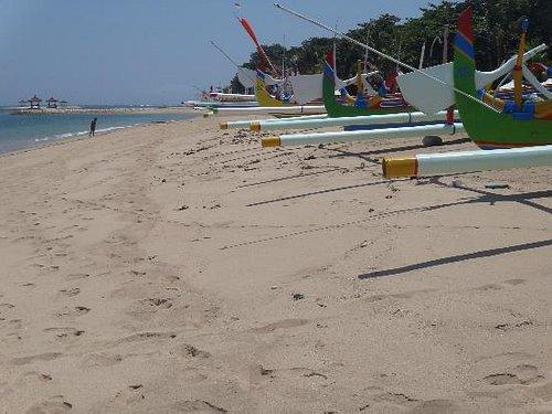 Пляж Pantai Sindhu
