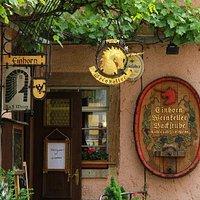Eingang vom Weinkeller Einhorn
