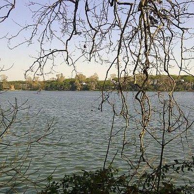 il lago esagonale