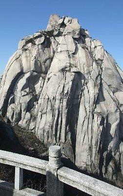 The pinnacle of Tianzhu Mountain