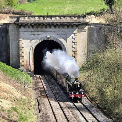 5043 Emerges from Box Tunnel