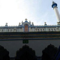 entrance to cholon mosque