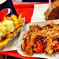 Lecker Worscht & Pommes & Brot